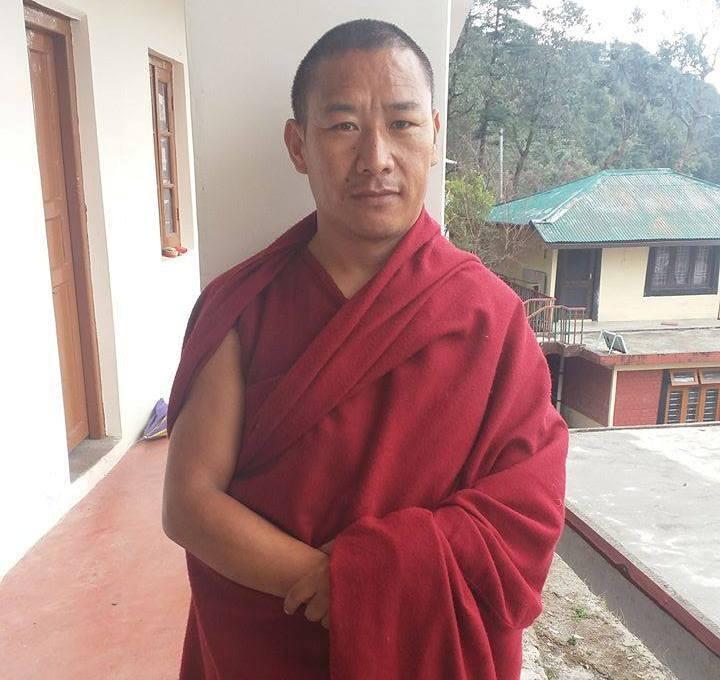 14 IN - tenzin Tsundue, 40 Jahre, aus Tingri, mit 4,5 geflohen, seit 1993 im Kloster2